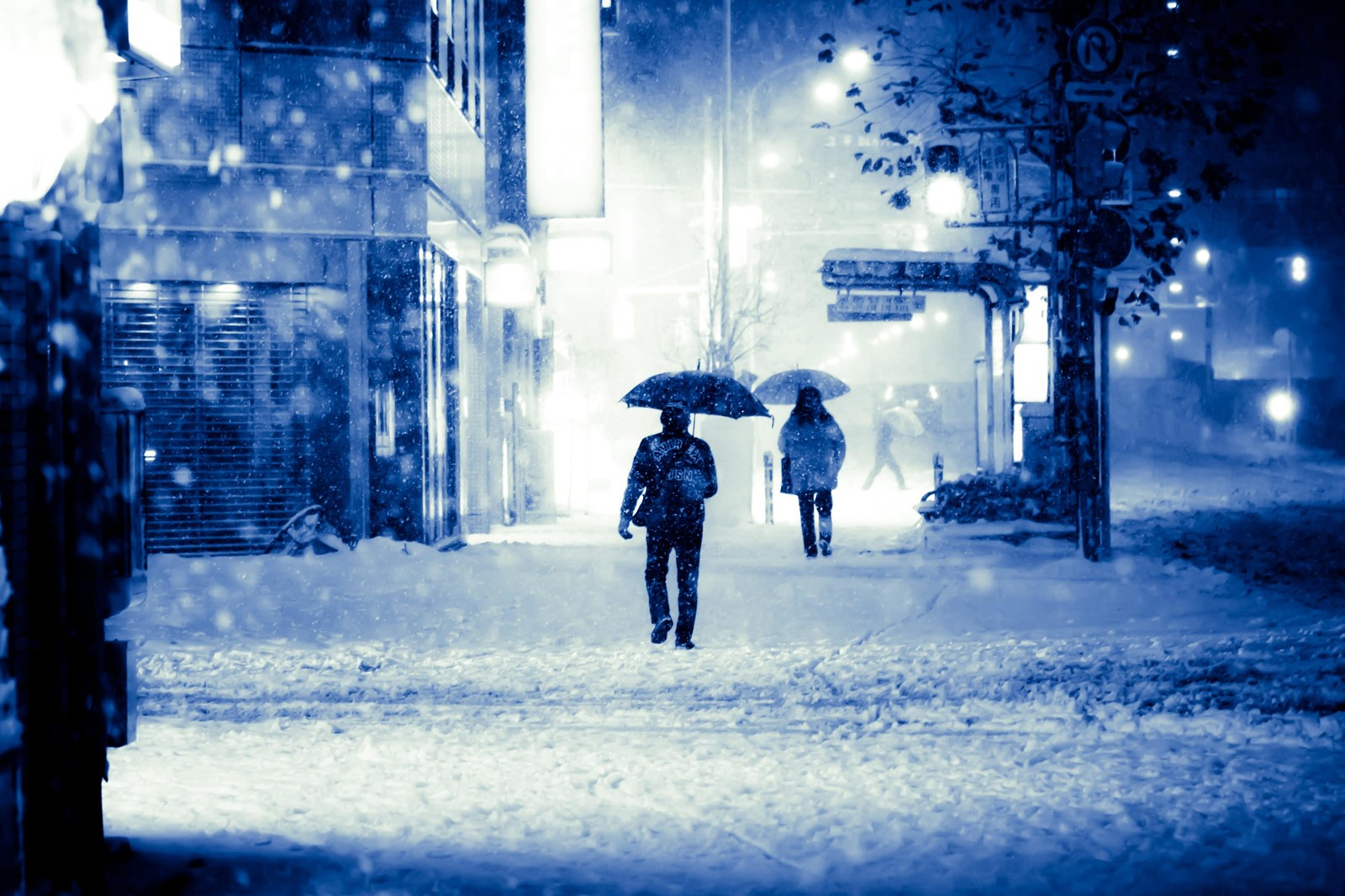 天気の子の雪が降るシーンの効果